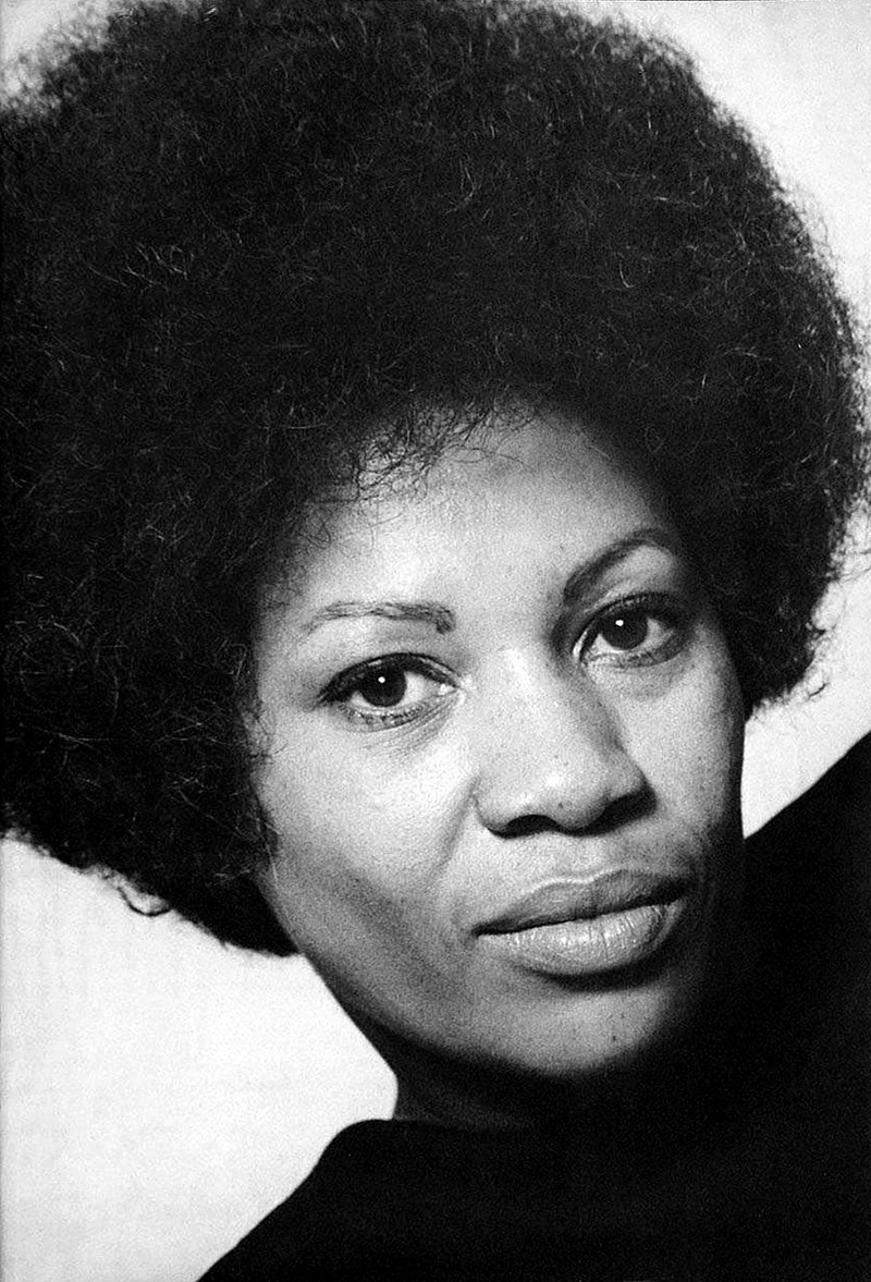 800px-Toni_Morrison_(The_Bluest_Eye_author_portrait).jpg